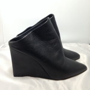 Vince black leather mules size 9
